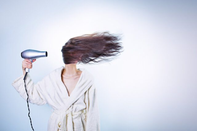 Wypadanie włosów a stosowanie skutecznych środków