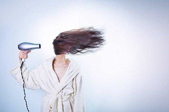 Kreatynowe prostowanie włosów